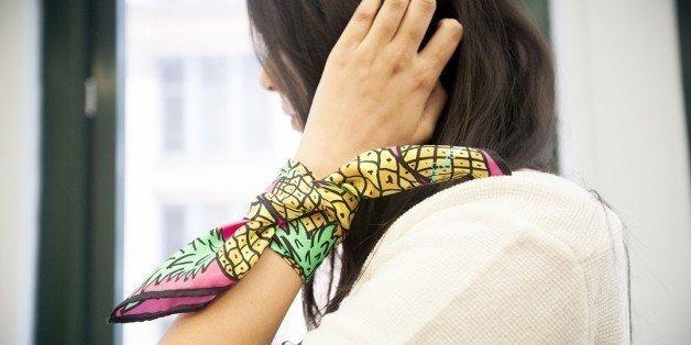 استفاده از روسری ابریشمی به جای دستبند