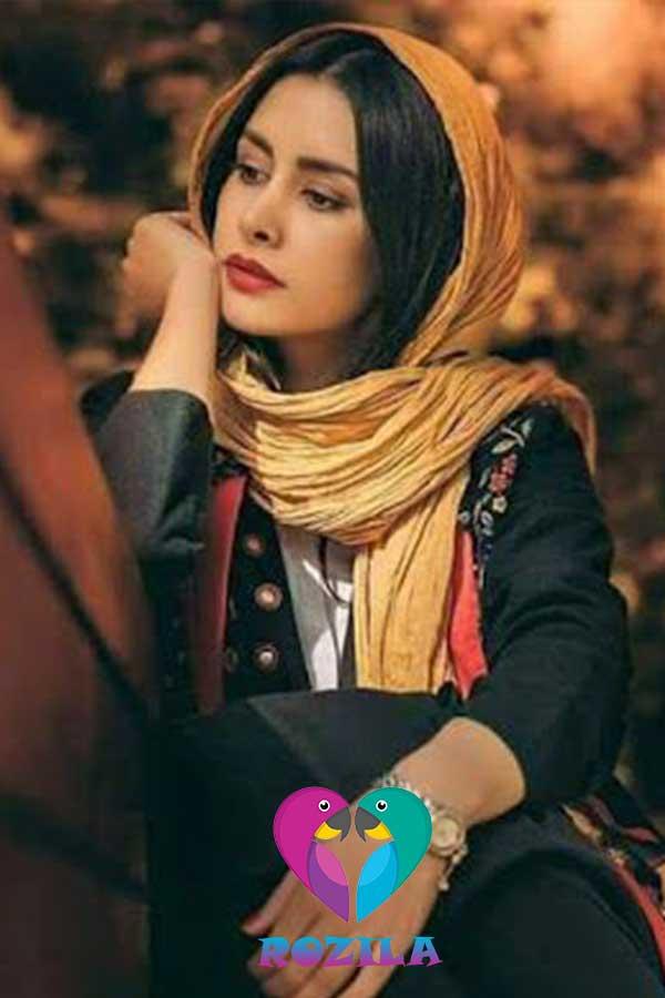 شال و روسری متناسب با رنگ پوست