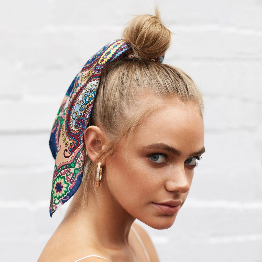 استفاده از روسری ابریشمی به جای اکسسوری مو